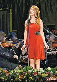 Hayley Westenra in Kaohsiung (c) Apple Daily - Taiwan